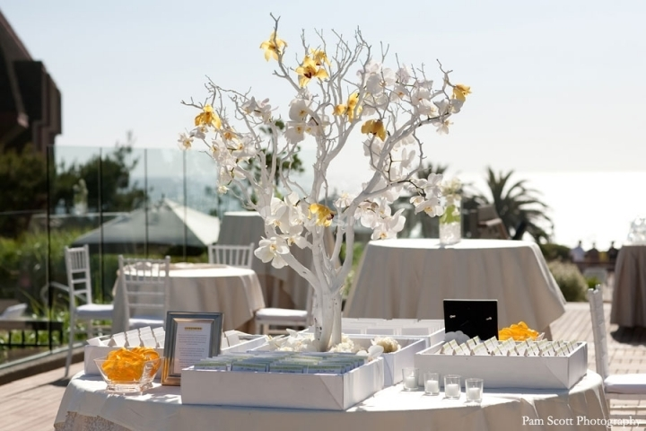 manzanita-tree-guest-card-table_c1400