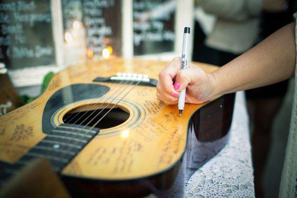 guitarra-libro-de-visitas-boda-musical